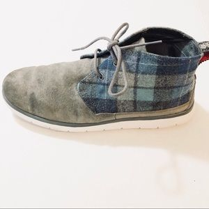 Uggs Freamon Chucka boot suede and navy flannel 9